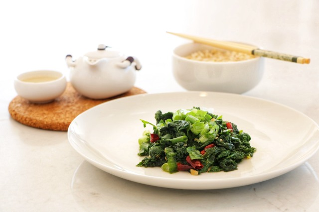 sauteed mustard greens with brown rice and green tea